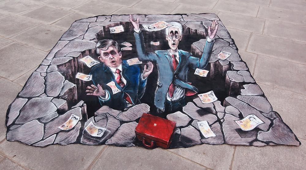 Как погасить все долги при отсутствии денег: выбираемся из долговой ямы
